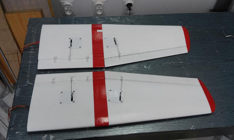 47 Cessna 185.jpg