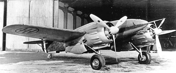 Italian_IMAM_Ro.57_fighter_prototype_front_quarter_view1.jpg