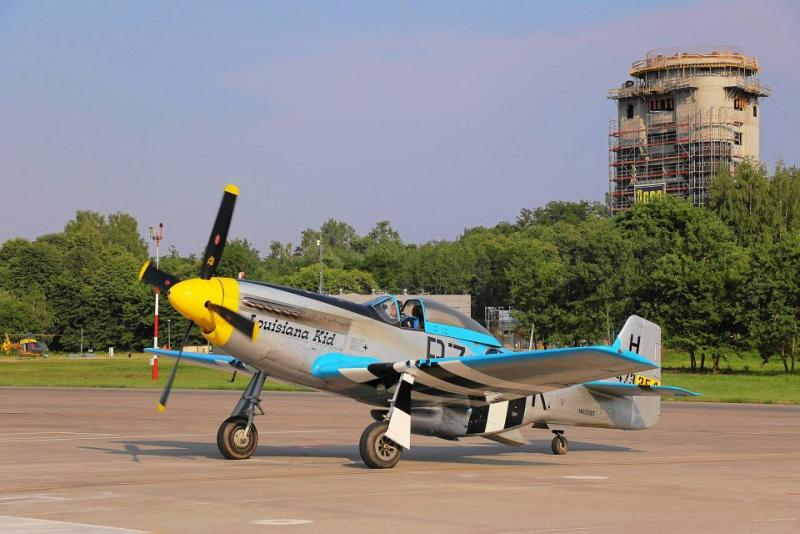 North-American-p-51d-Mustang-na-lotnisku-w-Balicac.jpg
