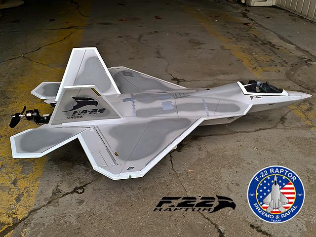 F-22 PRZEMO I RAFAŁ  - malowanie 4.jpg
