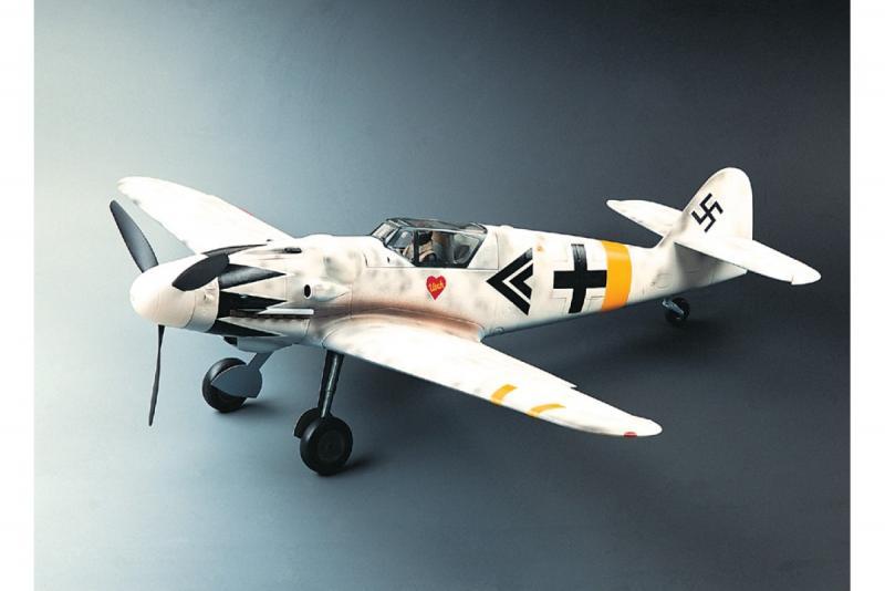 Bf 109 G Hartmann-white-1200x800.jpg
