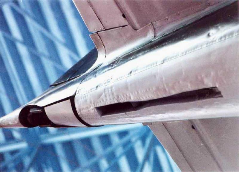 H-Zero-TailHook-2s.jpg