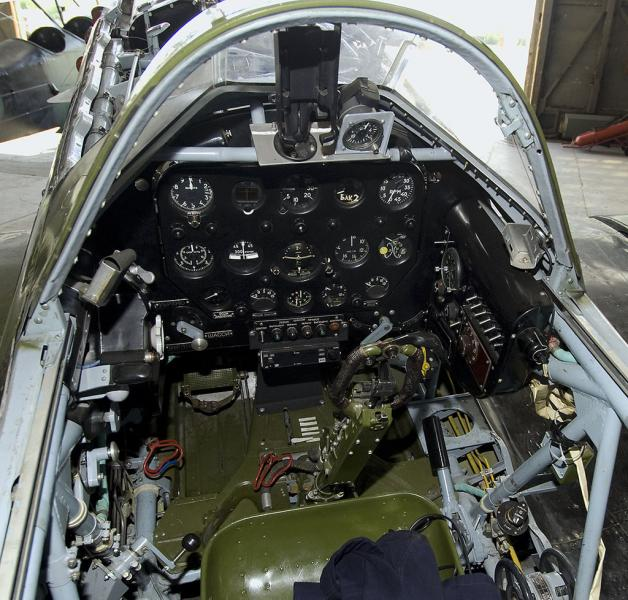 Mig-3(65).Cockpit_(6049529601).jpg