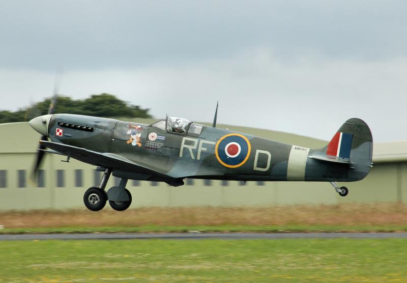 Spitfire_mark5b_ab910_of_the_bbmf_arp.jpg